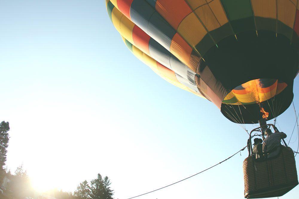 Hot air balloon setting off